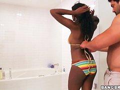Смотреть секс в бассейне видео бесплатно