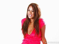 Страпон фото видео