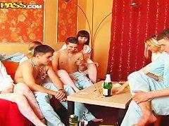 Порно пьяные русские оргии