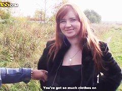 Под блузкой сиськи
