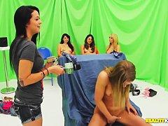 Порно ролики секс с русскими в бассейне