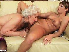 Порно старых толстушек