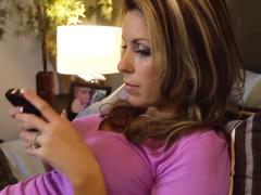 Порно видео пока жена спит трахает