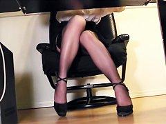 Блестящий нейлон порно фото