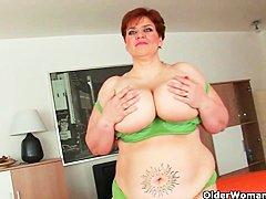 Порно видео зрелые толстушки анал