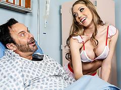 Стриптиз медсестры