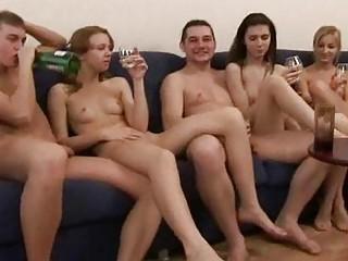 Смотреть секс свингеров