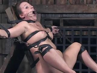 Пытки женщин бдсм