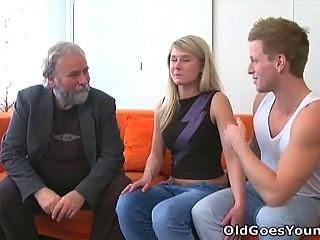 Как пришить старушку