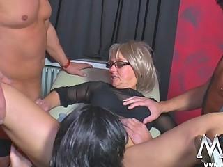 Порно зрелых свингеров бисексуалов