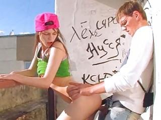 Разрешенное короткое порно неожиданный секс на улице