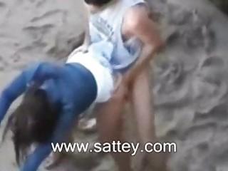 Публичный секс на пляже видео